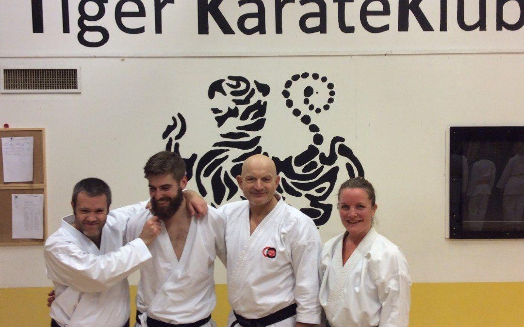 Gamle medlemmer av klubben samlet på trening i Tiger