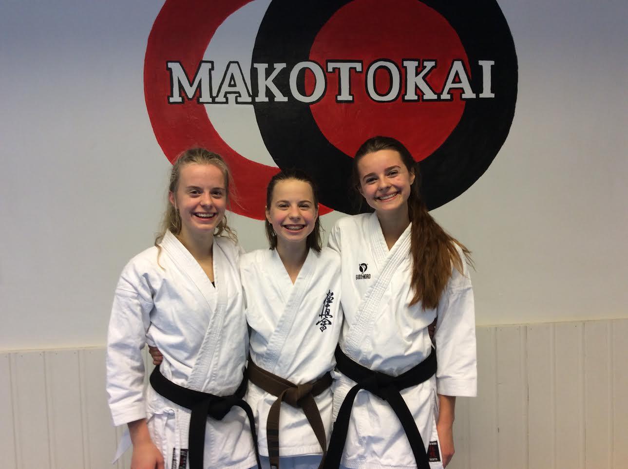 Nora, Edda og Ammy fra Strand Karateklubb